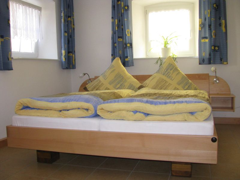Betten Wohnung Erdgeschoss